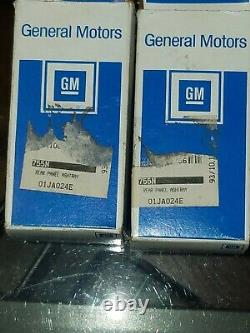 NOS 1969-79 Chevy Pontiac Olds Buick SS GTO 442 Ashtray Assembly GM 8795489 B28